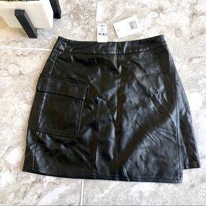 LF Dress Decode leather asymmetrical mini skirt